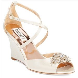 Badgley Mischka Champagne Colored wedges